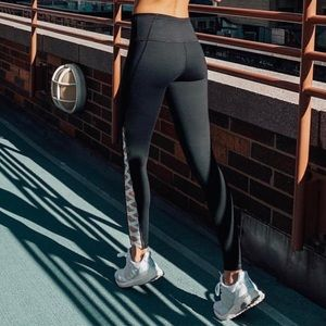 Knockout by Victoria Sport Crisscross Tight Size S